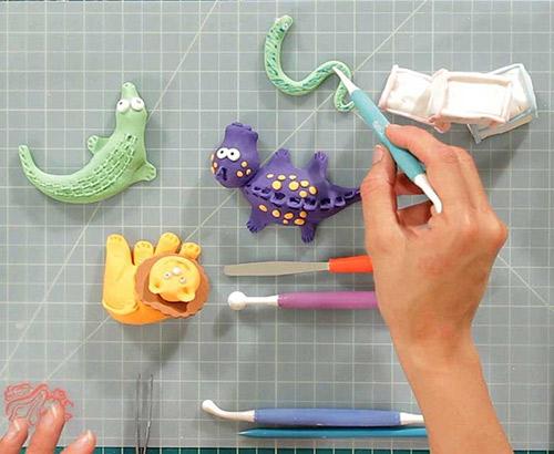 Fondant Figurine Modelling Classes by SugarBear